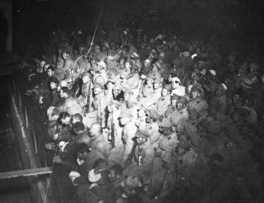 1932 оны зэвсэгт бослогын удирдагч Б.Тvгж жанжин найман хvний зvрхийг єєрийн биеэр сугалж алжээ
